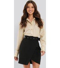 na-kd classic kjol med bälte - black