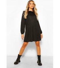 geribbelde gesmokte jurk met kraag en franjes, black