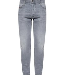 'd-luster' stonewashed jeans
