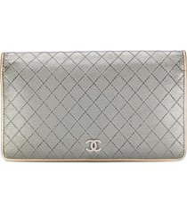 chanel pre-owned diamond quilted flap wallet - silver