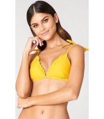 j&k swim x na-kd triangle frill bikini top - yellow