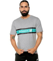 camiseta lifestyle new balance athletic gre