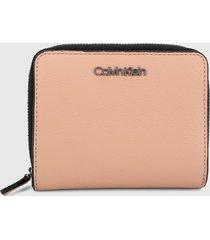 billetera rosa calvin klein