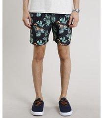 short masculino estampado tropical com bolsos preto