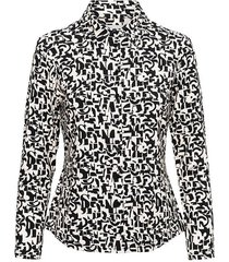 &co woman and co blouse vajen letter