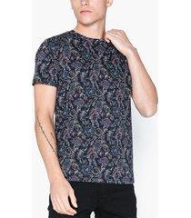 selected homme slhneo aop ss o-neck tee b ex t-shirts & linnen svart