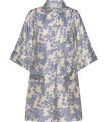 adora dress knälång klänning multi/mönstrad lovechild 1979