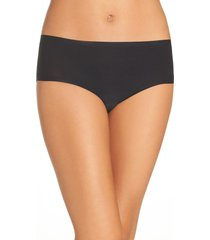 women's chantelle lingerie soft stretch seamless hipster panties, size one size - black