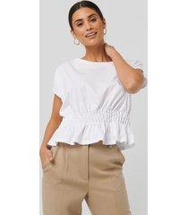 na-kd trend gathered waist t-shirt - white