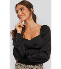 xle the label jaqueline puff sleeve blouse - black