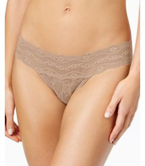 b.tempt'd by wacoal lace kiss thong underwear 970182