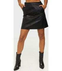 only onllisa faux leather skirt cc otw minikjolar black