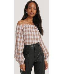 na-kd boho off shoulder structure check blouse - brown