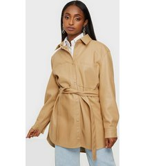 vero moda vmbutterdebbie coated jacket skjortor