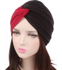 cappello per berretto da donna con cappuccio bicolore in misto cotone elasticizzato bicolore