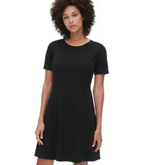 vestido flare negro gap