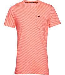 whistler geo tee t-shirts short-sleeved orange superdry