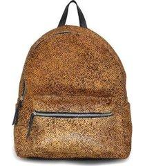 mochila mantoan couro bolso externo estampada