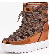 lakierowane, błyszczące buty model freezyn