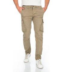 pantalon cargo beige bolsillos laterales y solapa en trasero para hombre