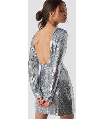 iva nikolina x na-kd deep back sequin dress - silver