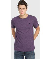 camiseta violeta banana republic