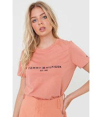 camiseta tommy hilfiger logo rosa - rosa - feminino - algodã£o - dafiti
