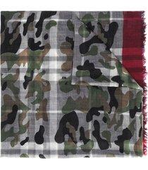 faliero sarti camouflage-print frayed scarf - green