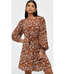 object collectors item objorrie l/s dress 108 långärmade klänningar