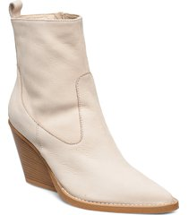 kim shoes boots ankle boots ankle boot - heel creme nude of scandinavia