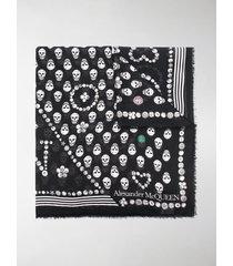 alexander mcqueen skull-print frayed scarf