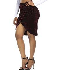 falda de talle alto de terciopelo con diseño de hendidura burdeos