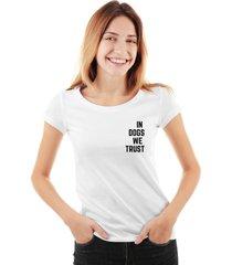 camiseta skull lab - in dogs we trust branco