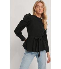 trendyol blus med puffärm och knytdetalj - black