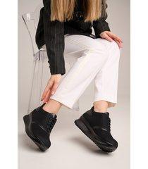 sneakersy siatkowe ze skórzanym wnętrzem - 6513