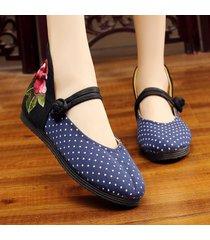 scarpe piatte con fibbie folkways ricamate a punto tela