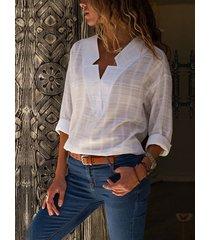white v-neck long sleeves curved hem blouse