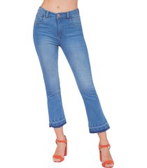jean adrissa regular corto con detalle en botas en tono medio azul indigo