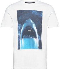 tnoah 1 t-shirts short-sleeved vit boss