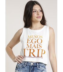 "regata feminina triya cropped ""mais trip"" decote redondo off white"
