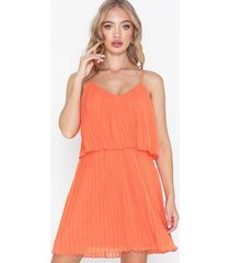 nly trend flirty pleated cami dress skater dresses