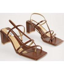 na-kd shoes högklackade skor med remmar - brown