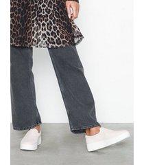 duffy faux suede slip-on sneaker slip-on ljus rosa