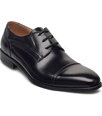 laced derby shoe with toecap shoes business laced shoes svart tga by ahler