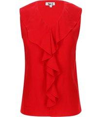 blusa con boleros en frente color rojo, talla 6