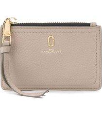 marc jacobs the softshot top zip multi wallet - grey
