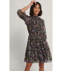 na-kd boho plisserad klänning med elastisk midja - multicolor