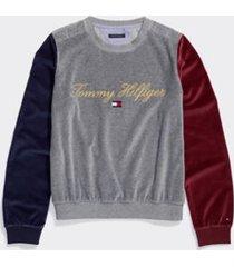 tommy hilfiger women's adaptive velour signature sweatshirt grey heather/ multi - s