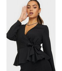 nly trend wrap me pretty blouse festblusar