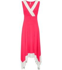 midiklänning med vid kjoldel